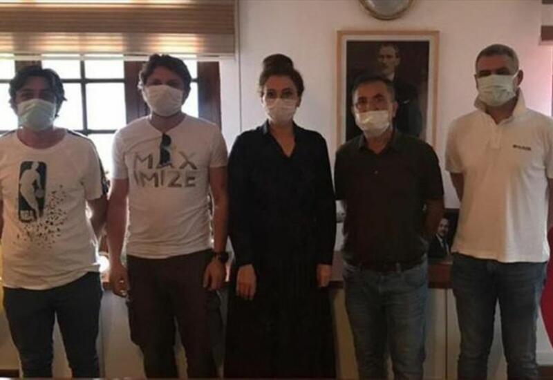 Троих спасенных членов экипажа контейнеровоза «Моцарт» доставили в Стамбул