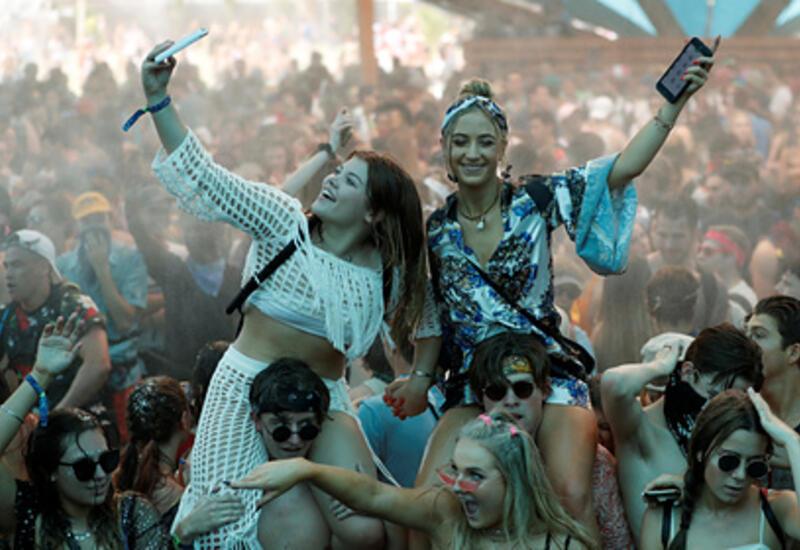 Крупнейший музыкальный фестиваль мира снова отменили из-за коронавируса