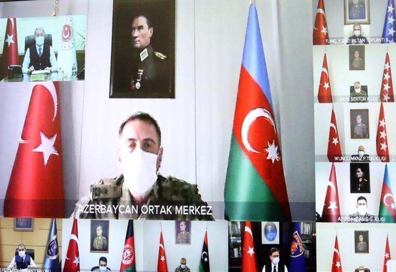 Хулуси Акар дал поручения генералу, проходящему службу в турецко-российском совместном центре