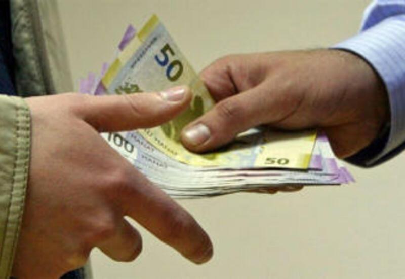 В Азербайджане выросла среднемесячная зарплата наемных работников