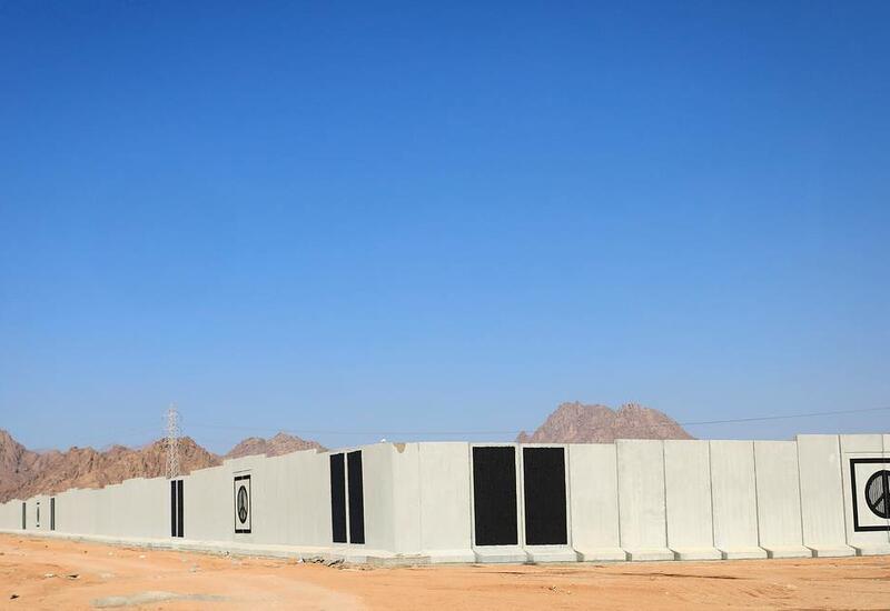 Шарм-эш-Шейх обнесли бетонной стеной