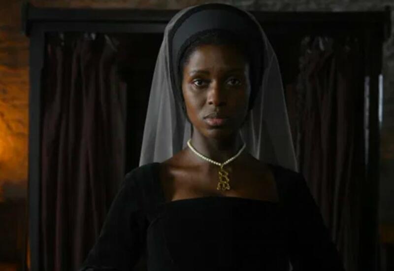 Sony опубликовала первое фото темнокожей актрисы в образе Анны Болейн