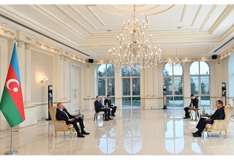 Президент Ильхам Алиев принял верительные грамоты новоназначенного посла Беларуси в Азербайджане