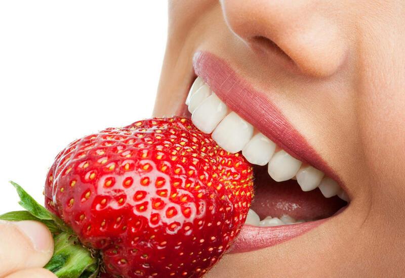 Ешьте эти продукты для ослепительно белоснежной улыбки