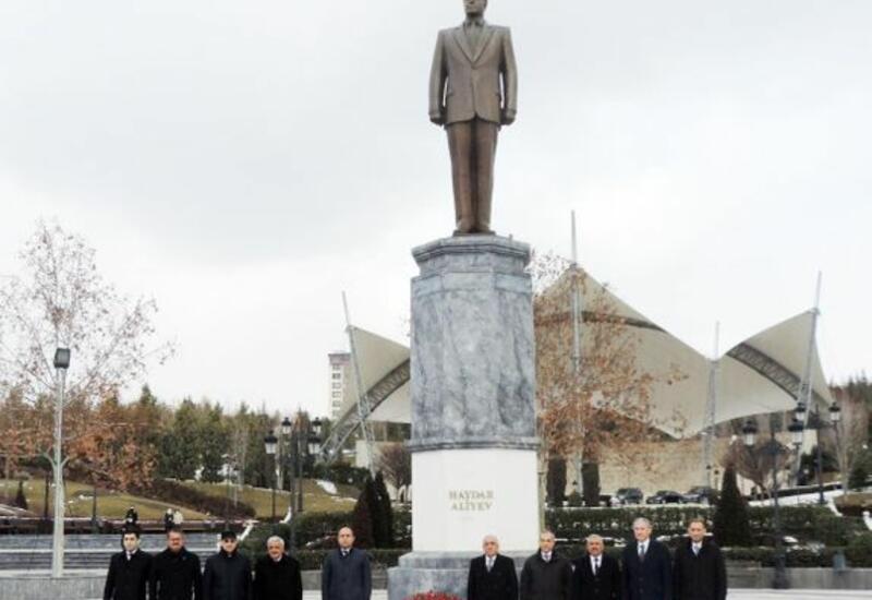 Али Асадов посетил Парк Гейдара Алиева в Анкаре
