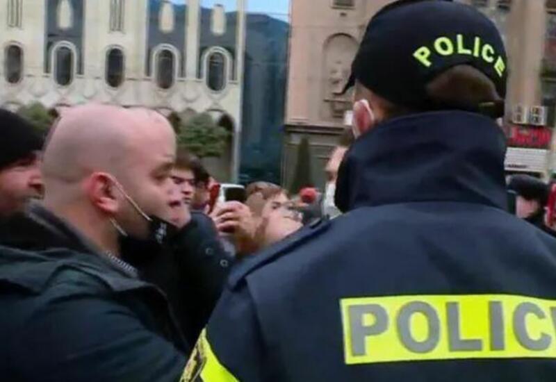 В Тбилиси произошло столкновение между полицией и протестующими