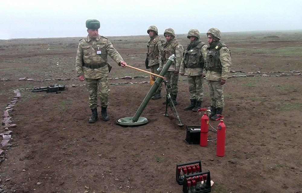 Тренировки минометных батарей азербайджанской армии с боевой стрельбой продолжаются