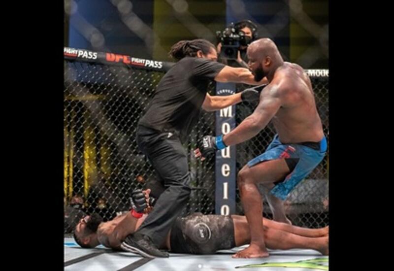 Льюис нокаутировал Блейдса в главном поединке UFC Fight Night 185