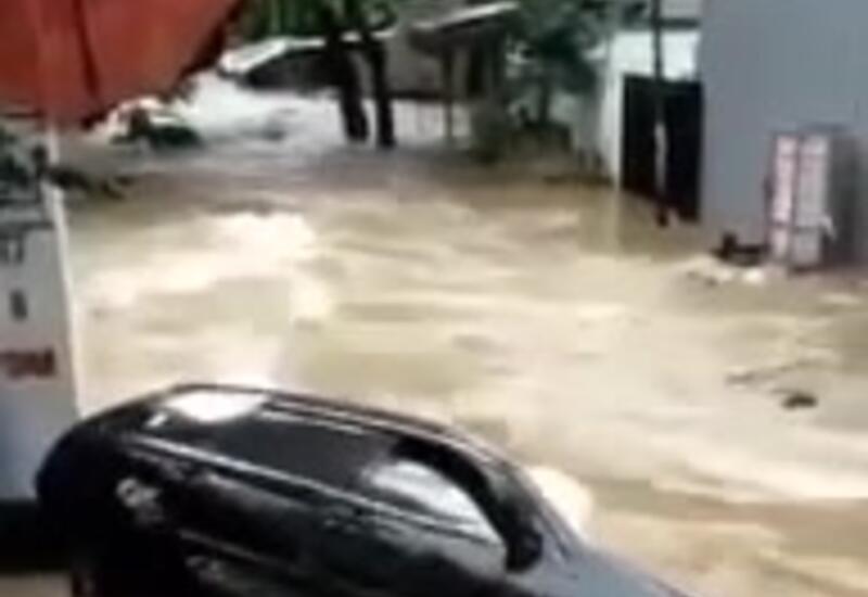 Наводнение в столице Индонезии, эвакуировано более 1300 человек