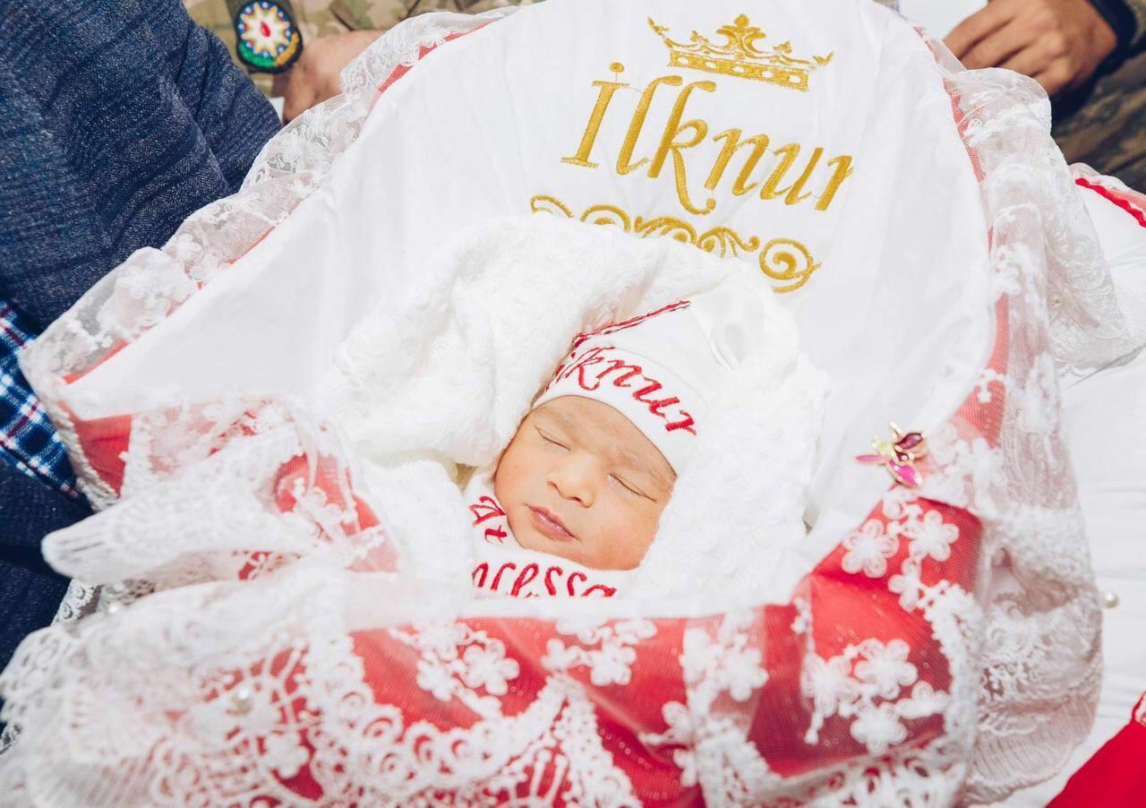 """Фонд """"YAŞAT"""" откроет счет на 5000 AZN для новорожденного ребенка еще одного шехида"""