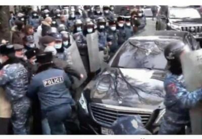 В Армении напали на кортеж Никола Пашиняна