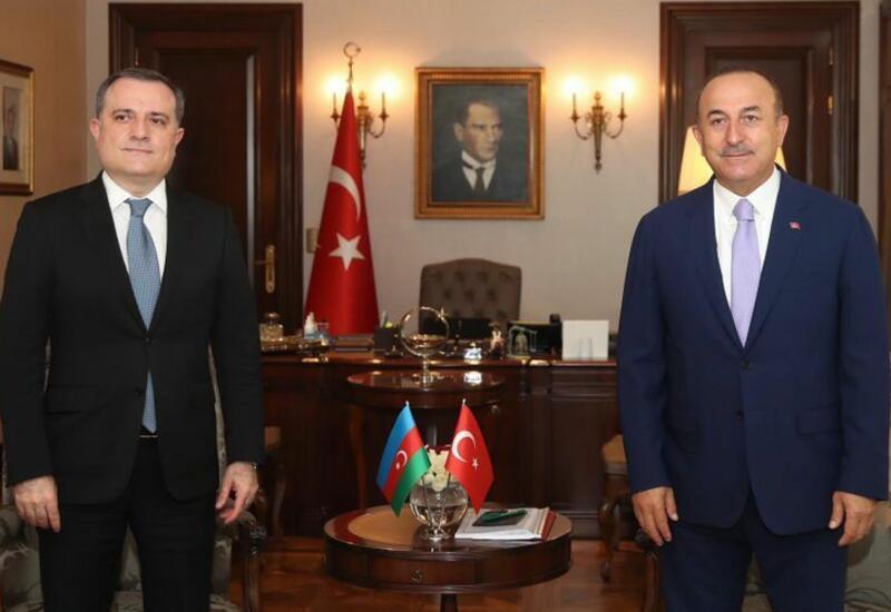 Главы МИД Турции и Азербайджана обсудят двусторонние связи и региональные вопросы