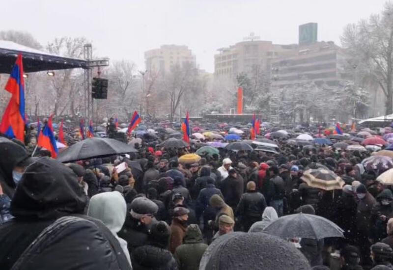 "Армянский ""ветер перемен"""