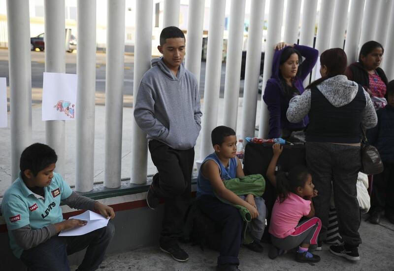 США открывают двери мигрантам