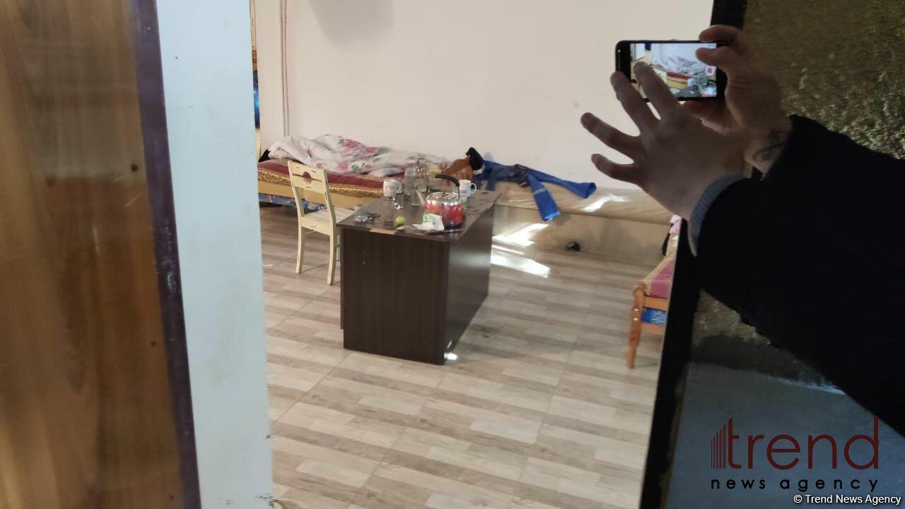 Кадры из частного дома в Баку, где скончались 5 человек
