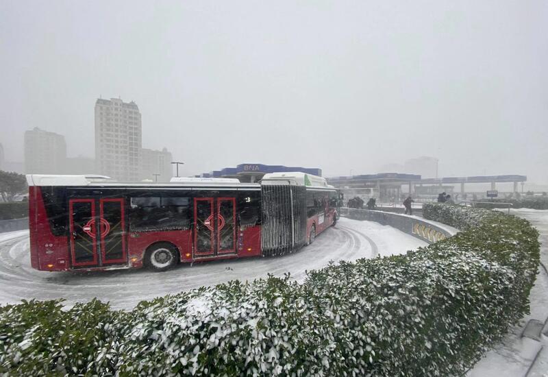 Экспресс-автобусам в Баку разрешили брать пассажиров на всех остановках