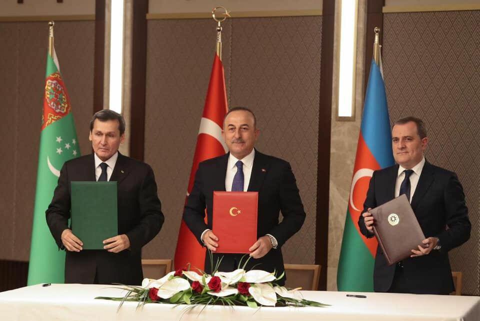 Главы МИД Азербайджана, Турции и Туркменистана приняли совместное заявление