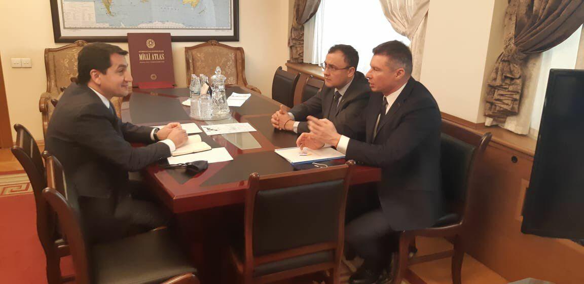 Хикмет Гаджиев на переговорах с замглавой МИД Украины