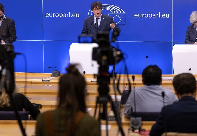 Европарламент лишает неприкосновенности каталонских сепаратистов