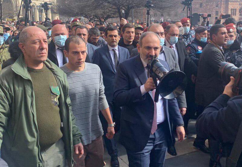 Никол Пашинян провел шествие со сторонниками