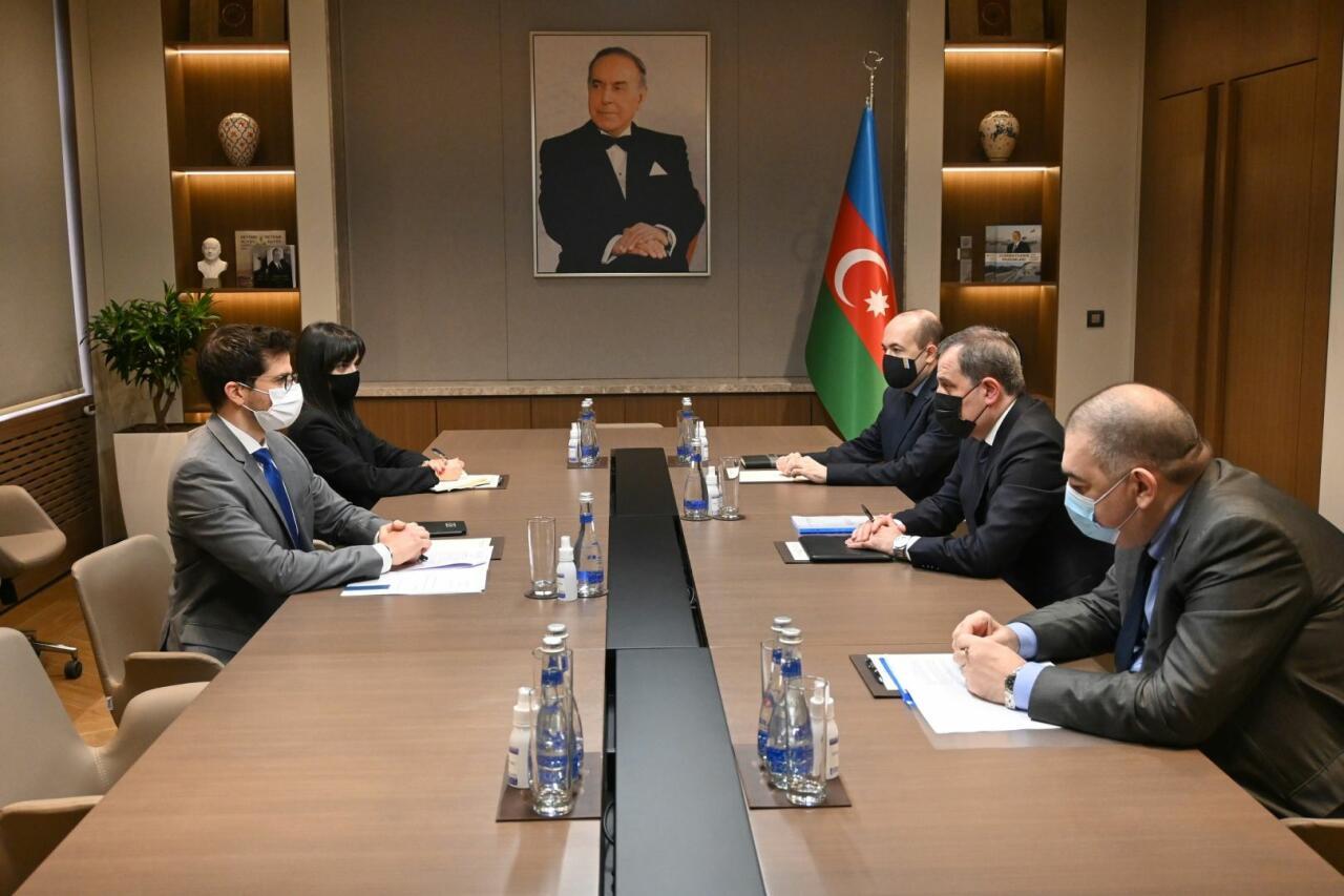 Джейхун Байрамов встретился с послом Израиля