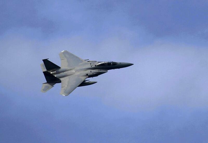 США применили два самолета F-15 и семь высокоточных боеприпасов в ходе удара по Сирии