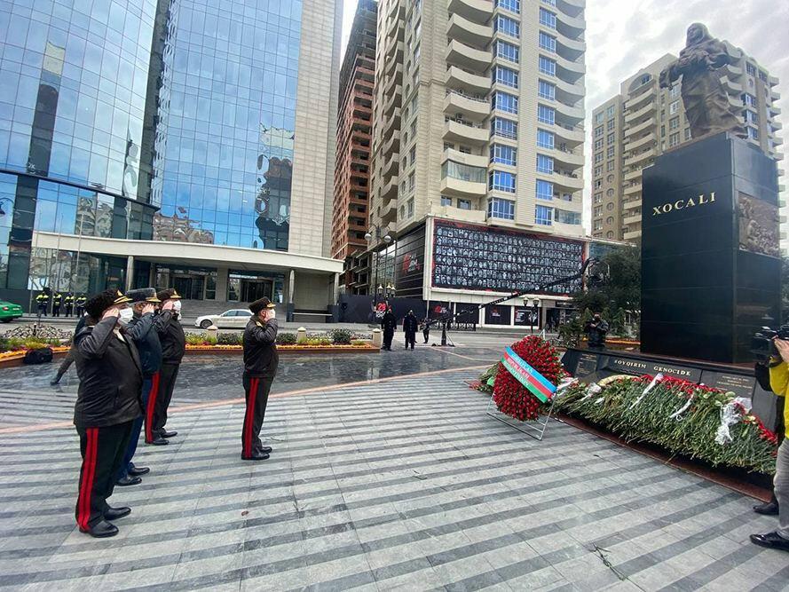 Руководство Минобороны Азербайджана посетило памятник Ходжалинскому геноциду
