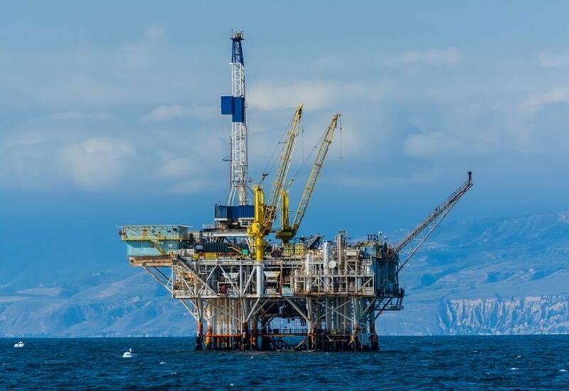 За неделю азербайджанская нефть подорожала на 2,7%