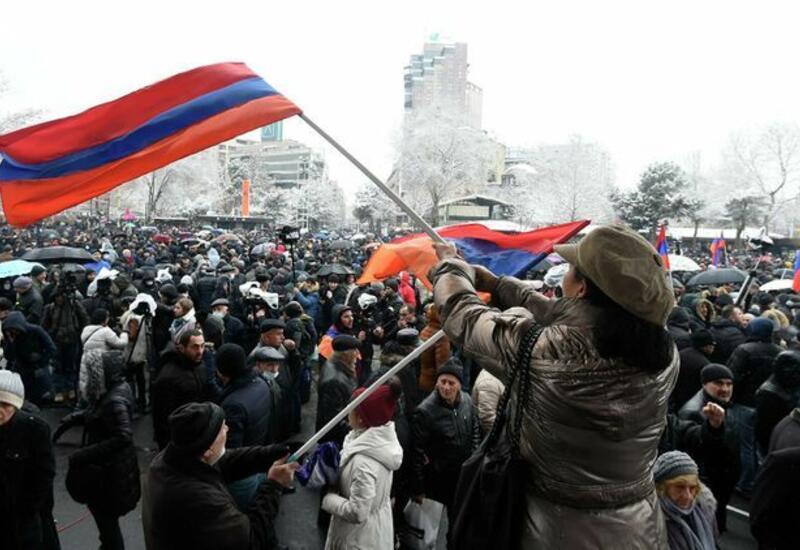 В Капане начался митинг армянской оппозиции