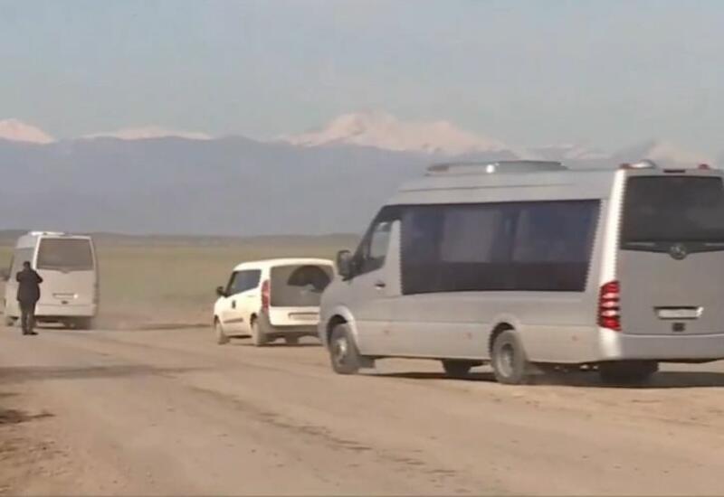 Зарубежные журналисты побывали в селе, где армянами была убита 2-летняя азербайджанская девочка