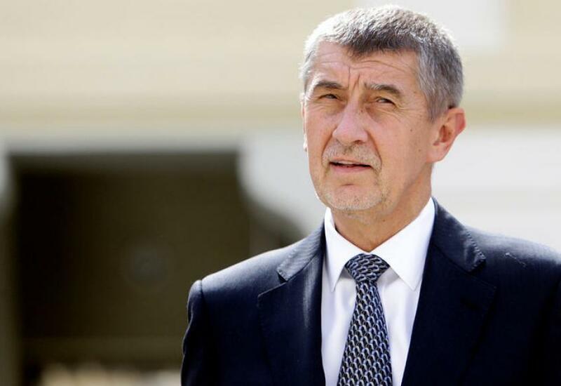 Премьеру Чехии и его семье угрожали из-за ужесточения противоэпидемических мер