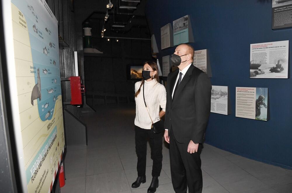 Президент Ильхам Алиев и Первая леди Мехрибан Алиева приняли участие в открытии в Баку первого в мире корабля-музея