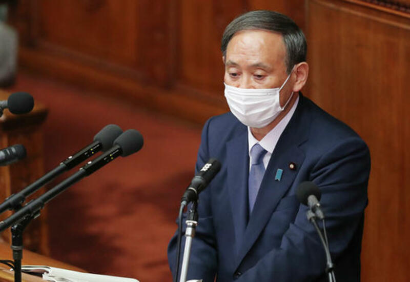Японский премьер извинился за скандал вокруг контактов его сына с чиновниками