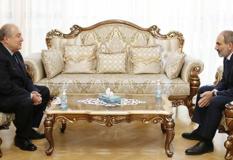 Президент Армении встретился с Пашиняном