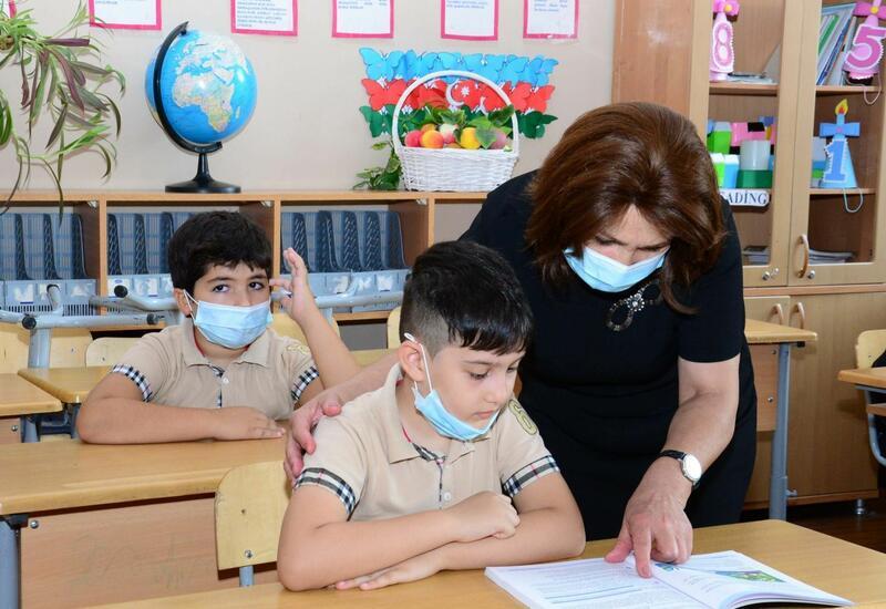 Сколько зарабатывают учителя в Баку?
