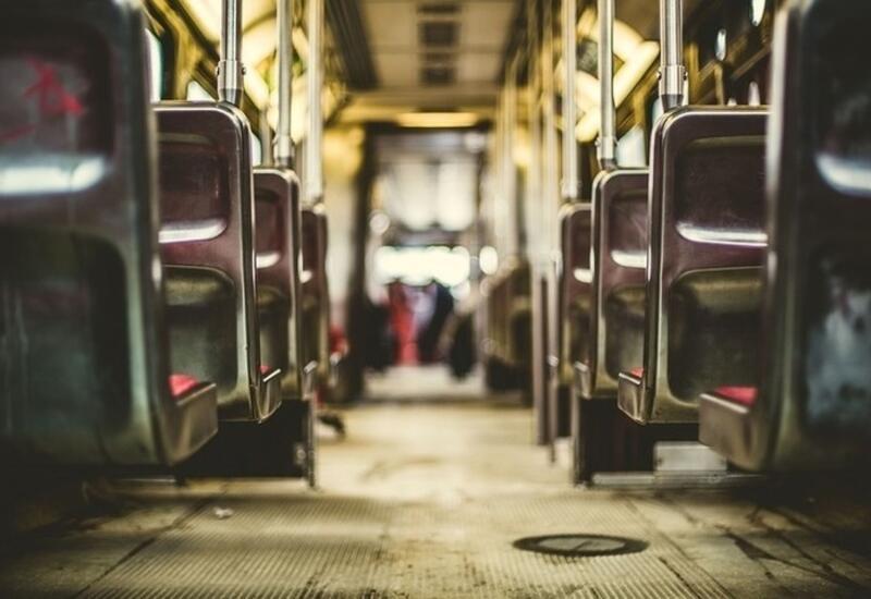 В Петербурге из задымленного автобуса эвакуировали 40 пассажиров