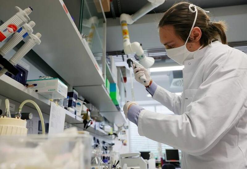 У новорожденного ребенка нашли новую мутацию коронавируса