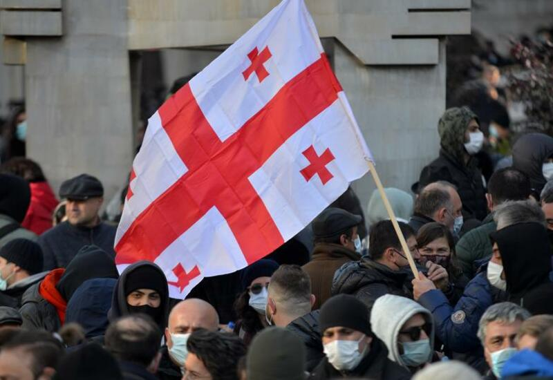 """В Грузии напали на офис партии """"Единое национальное движение"""""""