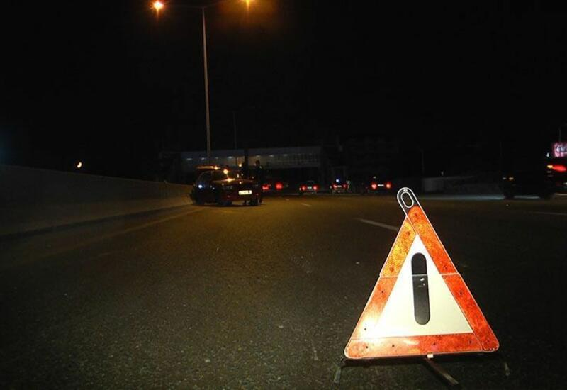 В Балакене перевернулся принадлежащий турецкой компании грузовик