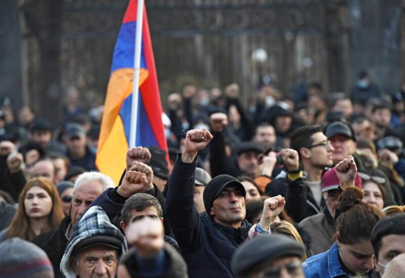 Оппозиция Армении заявила о провале переговоров по досрочным выборам