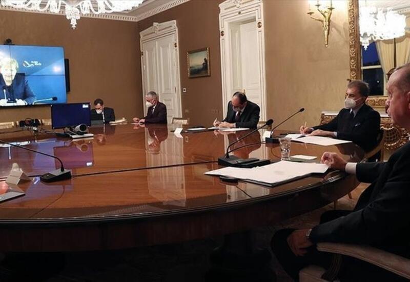 Эрдоган провел встречу с Меркель в формате видеоконференции