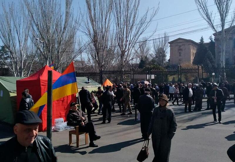 В Ереване проходит очередной митинг против Пашиняна