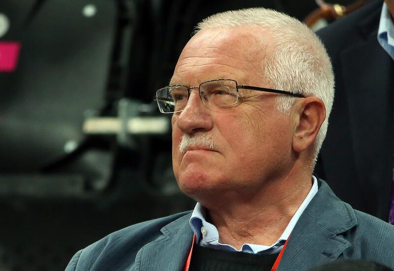 Экс-президент Чехии вылечился от COVID-19