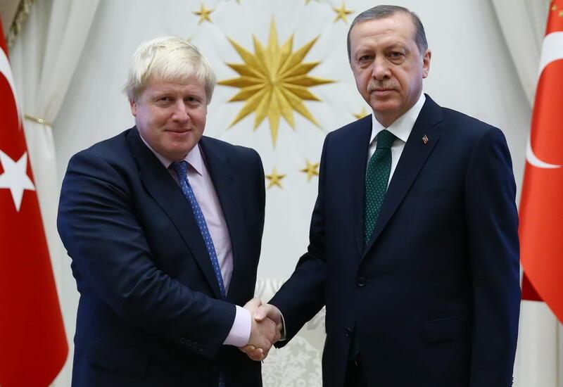 Эрдоган и Джонсон обсудили двусторонние отношения