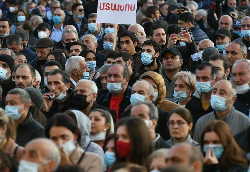 Армянская оппозиция продолжит блокаду парламента