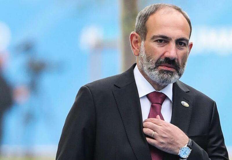 Пашинян провел совещание с командным составом ВС Армении