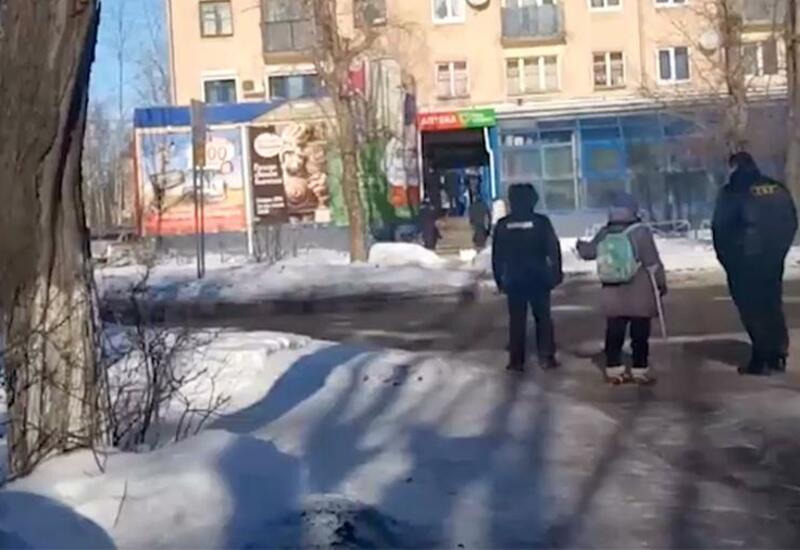 В России мужчина с ружьем захватил офис