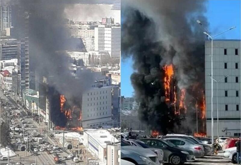 В Самаре загорелся крупнейший торгово-офисный центр