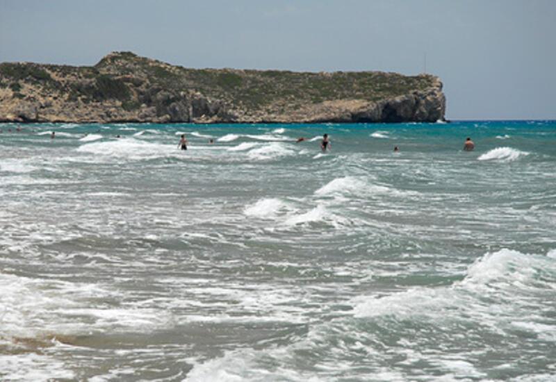 Отдыхающим в Турции посоветовали не купаться в море