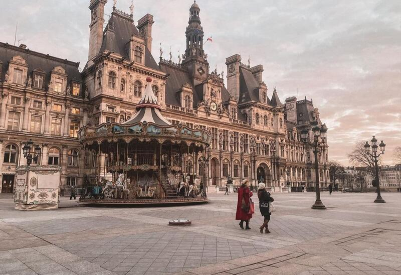 Пустые улицы Парижа в блоге Зейнаб Джахан